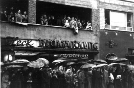Altes Foto der Buchhandlung in Offenbach